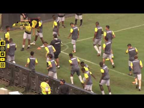 EXCLSUIVO | Entrenamiento de Diego  Forlán en el Estadio Monumental de Barcelona SC