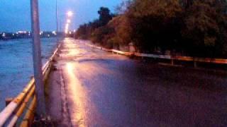 Huracán Alex: Agua metiéndose a las calles en Cadereyta Jiménez, Nuevo León