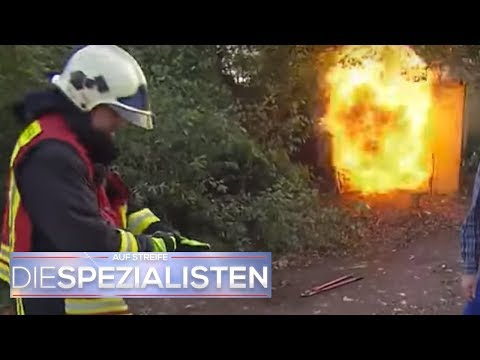 Rettung in letzter Minute: Mädchen im brennendem Container eingesperrt | Die Spezialisten | SAT.1 TV