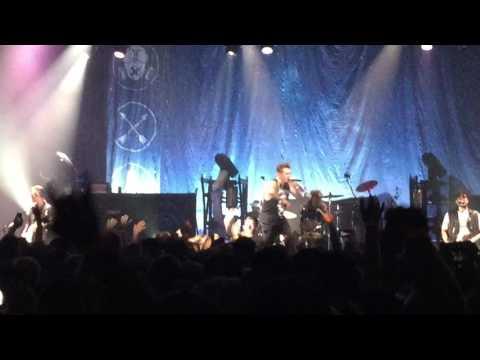 Papa Roach - Last Resort (Calgary, AB 9/11/16)