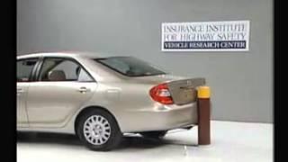 Vehicule  Crash Test 2002 Toyota Camry _ Daihatsu Altis  5 M.P.H) Rear into Pole IIHS-Extreme