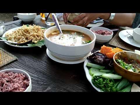 กินข้าวร้านอาหารพื้นเมืองในจังหวัดน่าน ร้านเฮือนภูคา