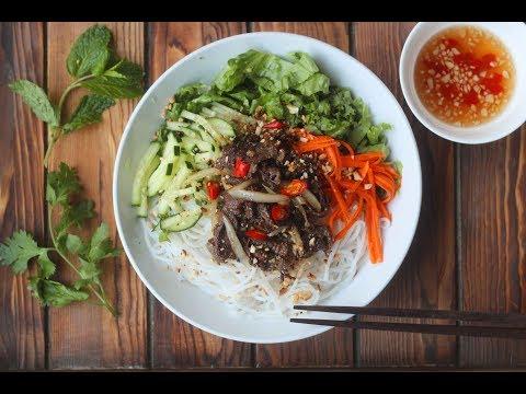 Bún Thịt Bò Xào - Vietnamese Stir Fry Beef w/ Vermicelli Noodle