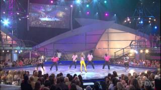 Fergie feat. Ludacris - Glamorous (Live)
