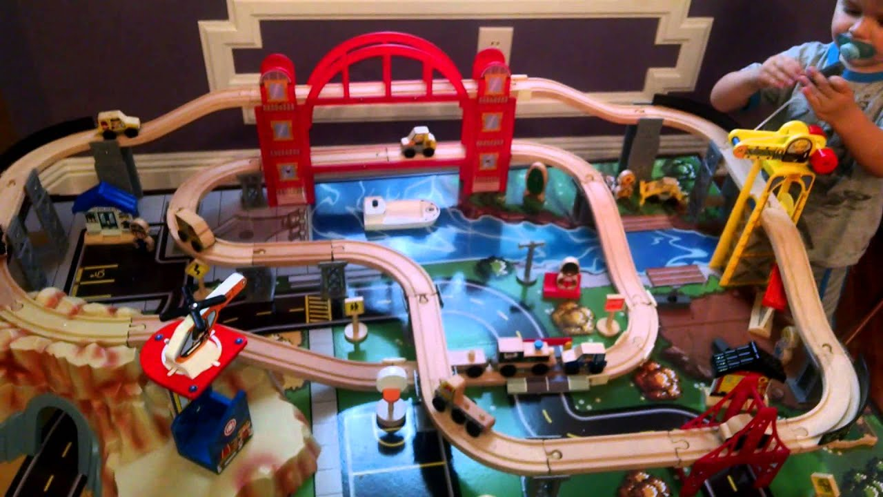 KidKraft Metropolis Train Table & Set - Toy Review - YouTube