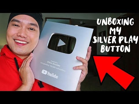 UNBOXING MY SILVER PLAY BUTTON | CHICO AMADEO