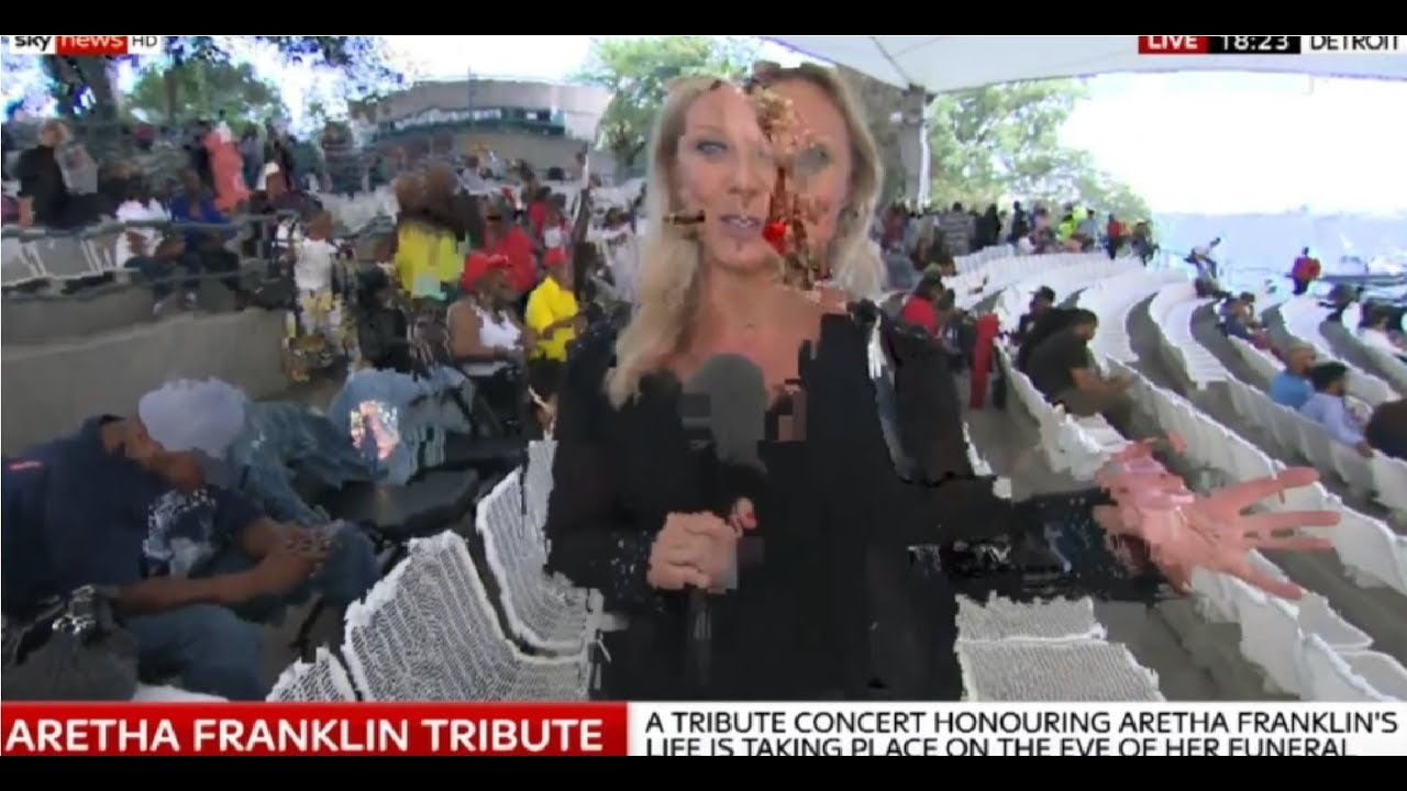 Reptilian Shapeshifting news reporter live  on News..Reptiliano Cambiaforma