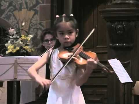 Tanja Zhou (8 years old) - A. Vivaldi: Violin concerto in a-minor RV 356