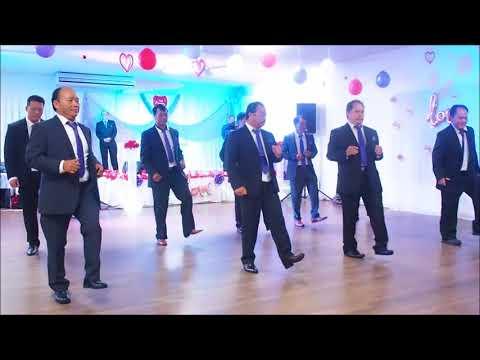 Australia - FNQ HMONG - TXIV TSEV KOOM SIAB LINE DANCE