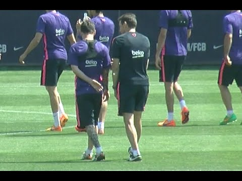 Messi and Unzué good relationship in FC Barcelona training session / www.weloba.com