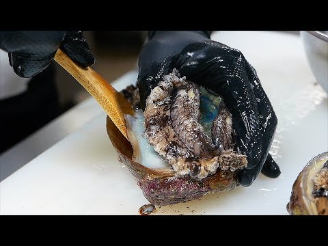 Japanese Food - GIANT ABALONE Liver Rice Sushi Teruzushi Japan