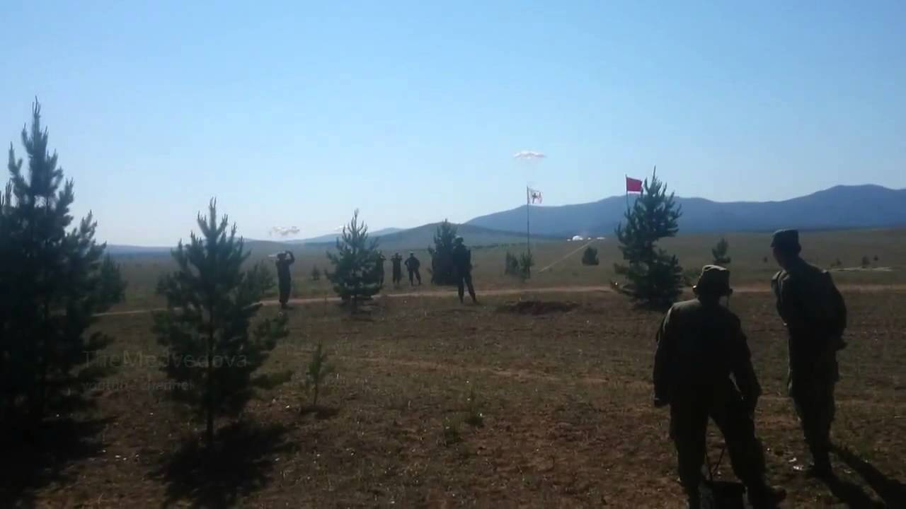 Армия РФ БМП сбросили с самолета без парашюта