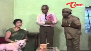 Hilarious Scene Between Y Vijaya - Babu Mohan - NavvulaTV