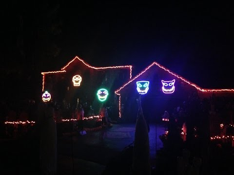 Jillian - WATCH: Halloween Light Displays Set To Eric Church's Creepin