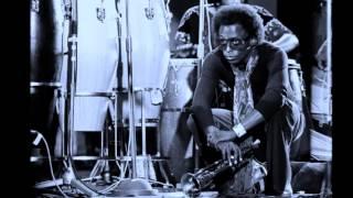 Miles Davis- October 27, 1971 Théâtre Nationale Populaire, Paris [2nd concert]