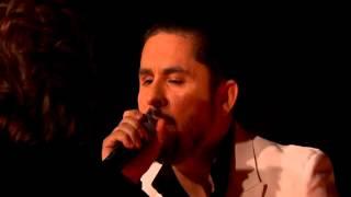 Premios De La Radio LARRY HERNANDEZ canta a su mama