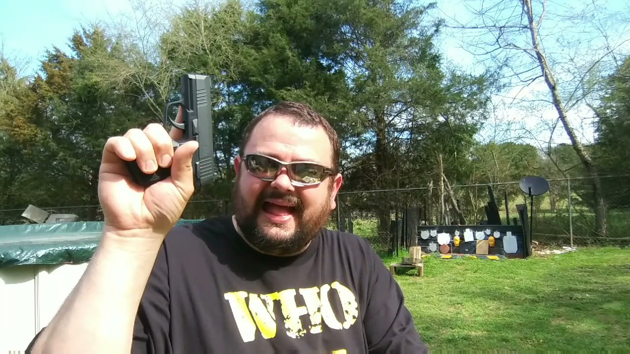 SIG P365  C02 BB Pistol. First shots and funtionality test.