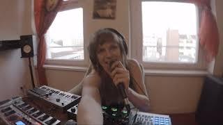 Lisaholic - Augen zu Mund auf (Loopstation RC505 /Live)