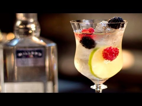 wine article How to Make White Wine Sangria