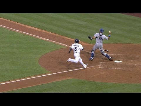 LAD@SD: Dodgers line four infielders on right side
