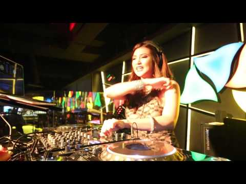 DJ Jennifer Lee