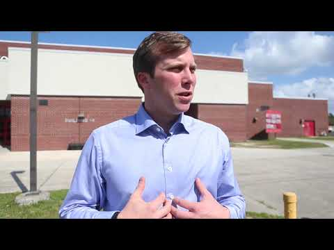 Jay Trumbull speaks about assault rifles and campus safety