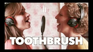 TOOTHBRUSH - Le Duo Paradoxe