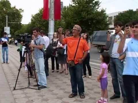 Флешмоб памяти Майкла Джексона в Махачкале 24 августа 2012 года