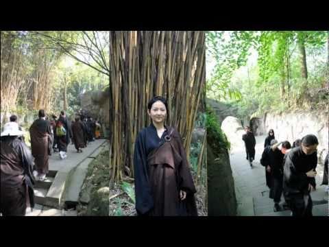 Nga Mi 2 - Baoguo Temple - Bao Quoc Tu.mp4