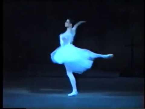 Yulia Makhalina  Giselle Entrance