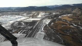 Approach, Landing and Taxi at Eagle County Regional Airport, Colorado (KEGE)