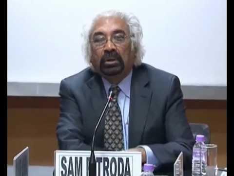 Sam Pitroda Speaking at Teacher Training Workshop in III WE ASC World Education Culture Congress.