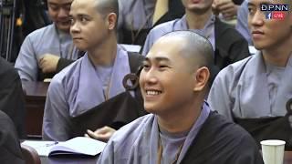 TT. Thích Thiện Thuận nói chuyện hài hước khiến cả hội trường cười té ghế