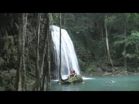 Erawan Waterfall, Kanchanaburi, Thailand / Wodospad Erawan, Kanchanaburi, Tajlandia