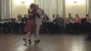 Ruben y Cherie Perform a Tango Vals