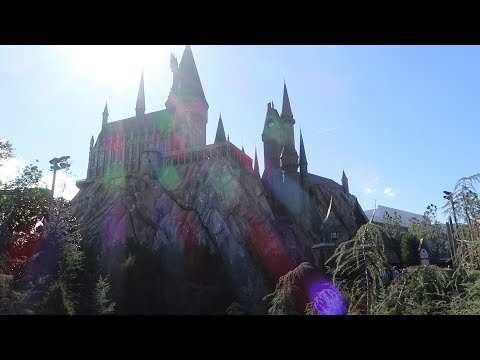 At Universal Studios Orlando On The Hunt For Cool New Toys, Meeting A Dinosaur & More!