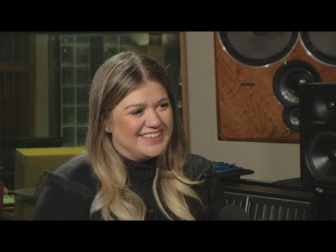 EXCLUSIVE: Kelly Clarkson Talks Newborn Son Remington's First Christmas