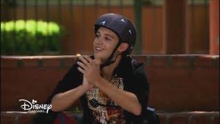 Soy Luna - Season 3 Episode 58 - Luna and Matteo skate together