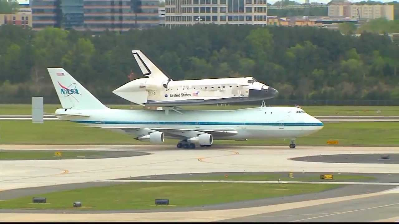 space shuttle discovery at dulles airport - photo #4