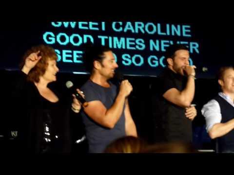 OUAT Toronto Karaoke! Sweet Caroline :)