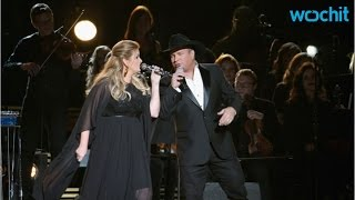 Garth Brooks And Trisha Yearwood Pay Tribute At 2016 CMAs