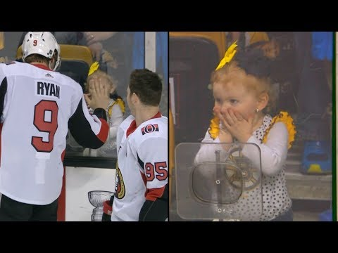 Bobby Ryan wows young Bruins fan with a wave