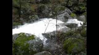 El agua blanda vence a la piedra dura
