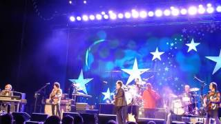 2015 RINGO STARR and his ALL-STARR BAND - thrill of a lifeime.