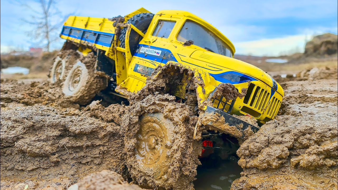 RC Truck ZIL 131 in EXTREME MUD