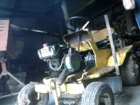 tracteur tondeuse avec moteur bernard bm4 youtube. Black Bedroom Furniture Sets. Home Design Ideas