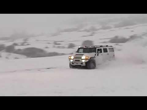 HUMMER H2 & TOYOTA PRADO SNOW DRIFTING