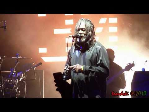 Massive Attack - Girl I Love You feat. Horace Andy (Live @ Gibson Amphitheatre)