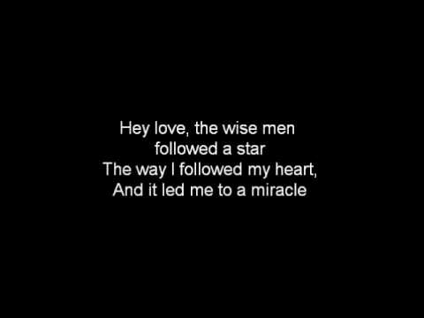 Mistletoe- Justin Bieber (Lyrics)