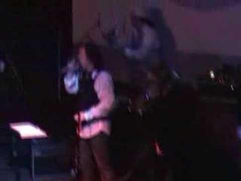 """El Roostars: """"Sweet Black Angel"""" Live"""